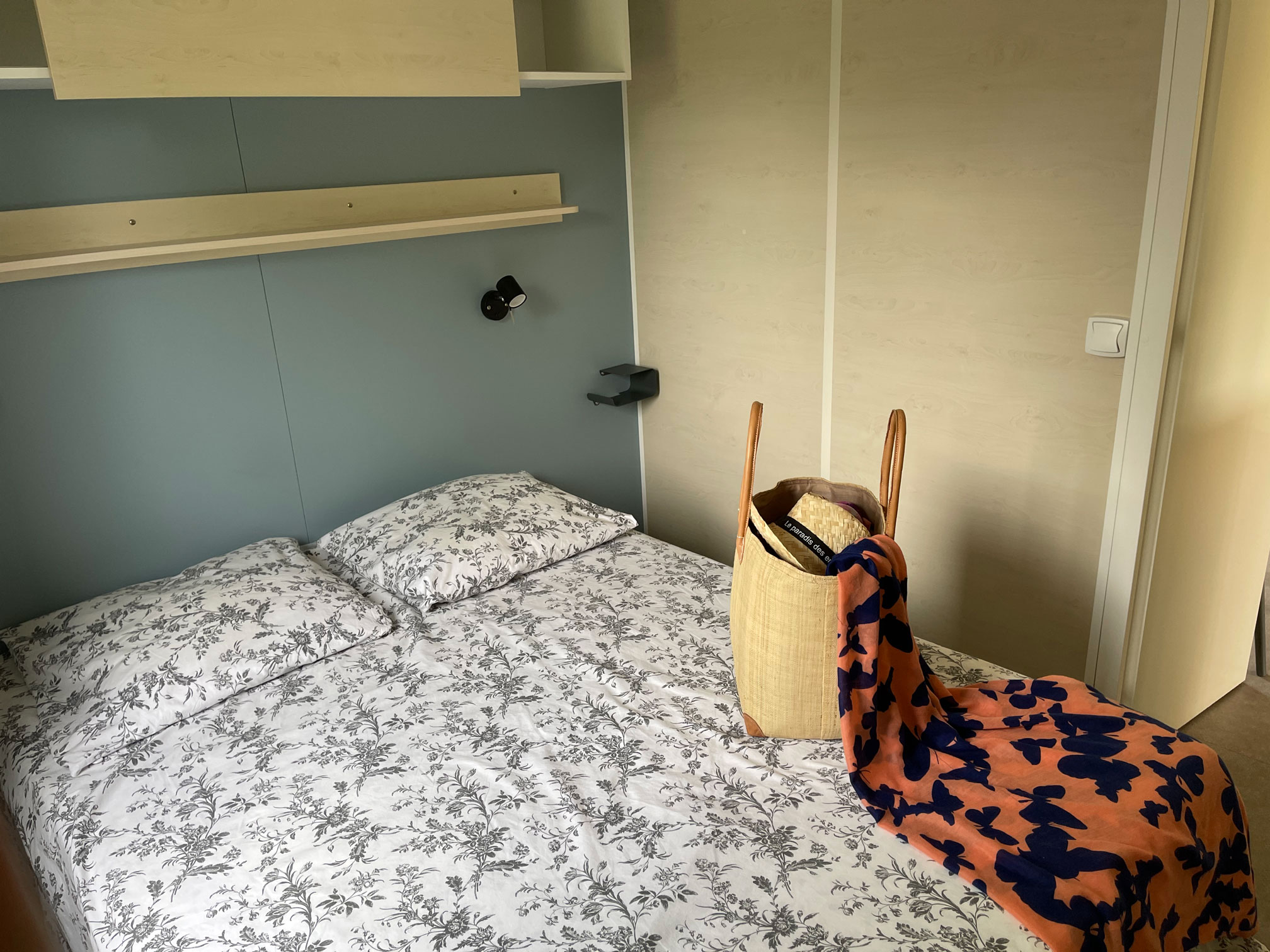 galerie-location-mobil-home-4-6-personnes-prestige-chambre-adultes-camping-moricq