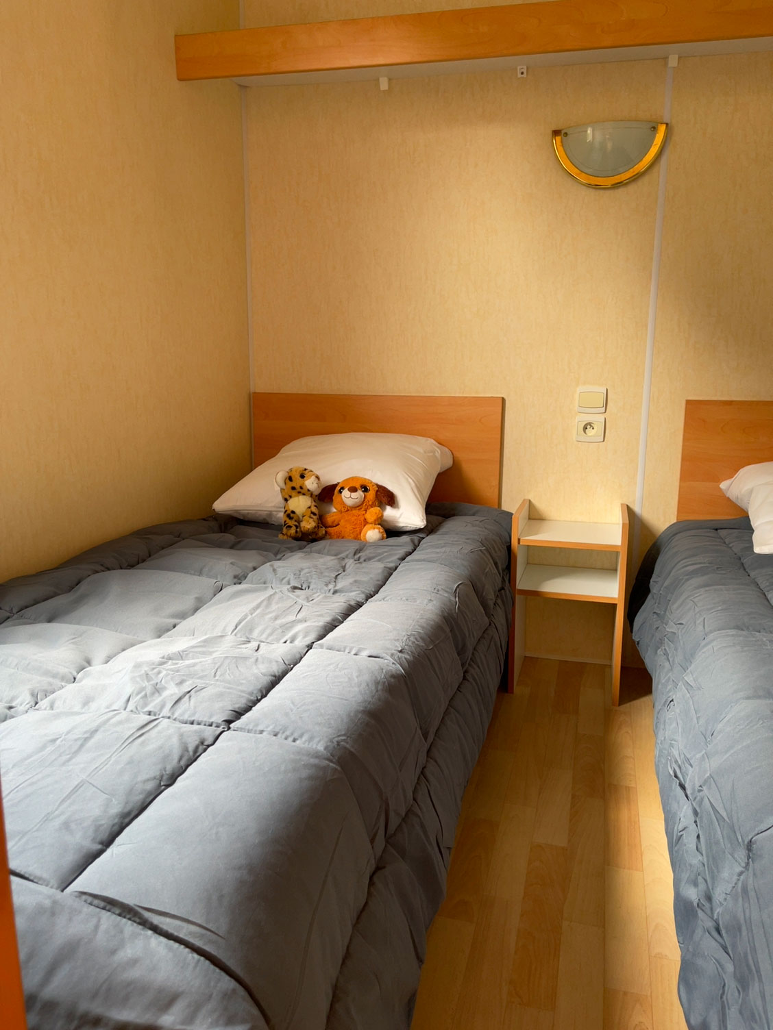 galerie-location-mobil-home-6-8-personnes-evasion-chambre-enfant-camping-moricq