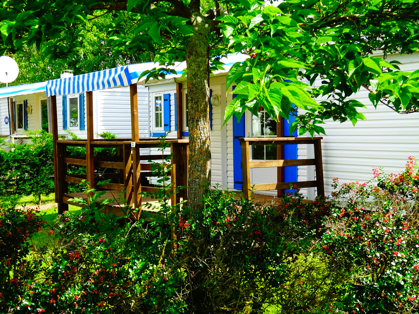 galerie-location-mobil-home-6-8-personnes-evasion-zoom-exterieur-camping-moricq