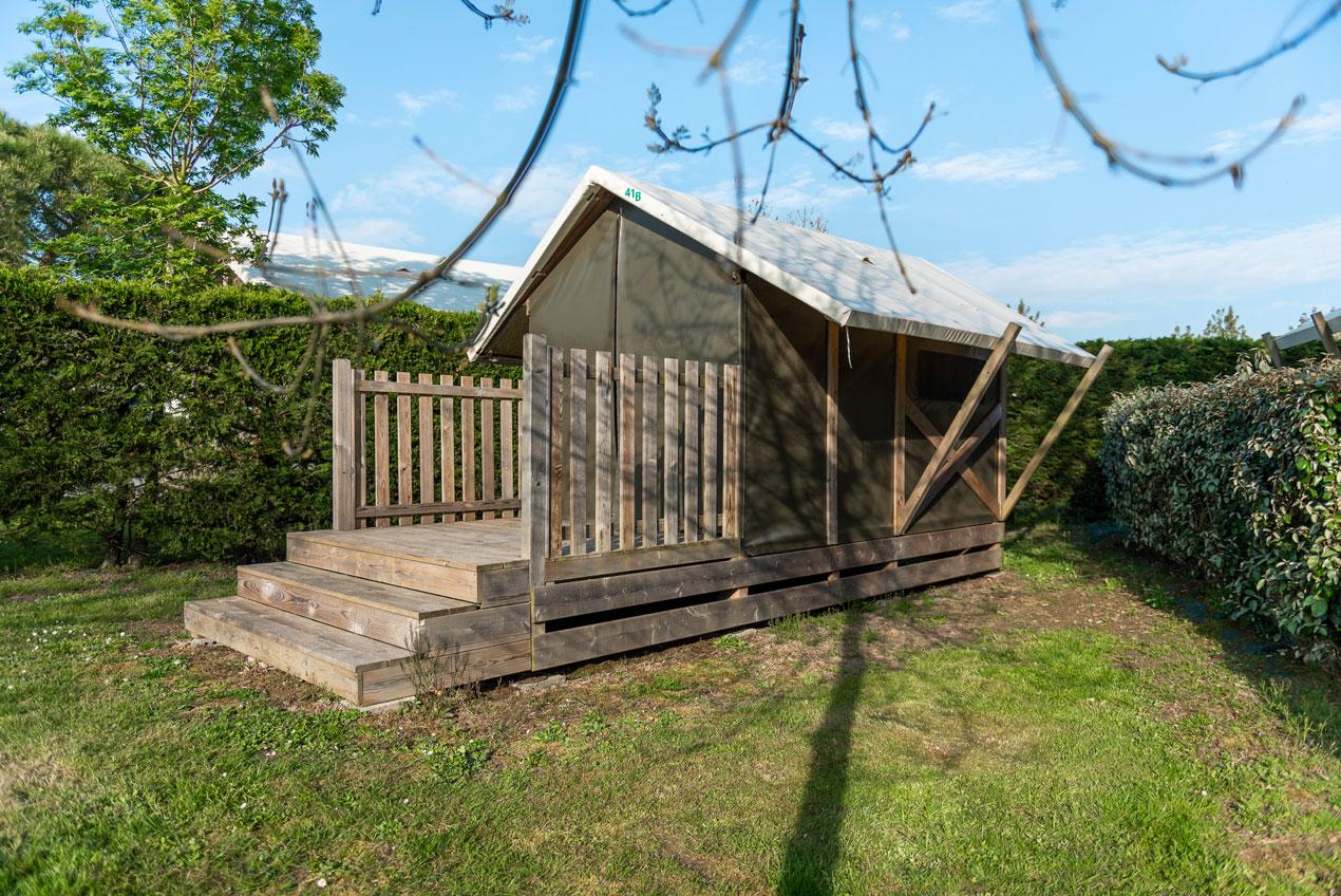 galerie-photos-camping-avec-tente-lodge-2-pers-exterieur-camping-le-port-de-moricq
