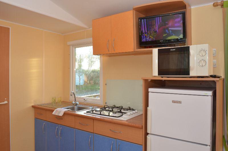 location-mobil-home-4-6-personnes-evasion-cuisine-camping-moricq