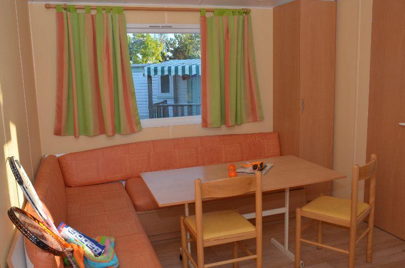 location-mobil-home-4-6-personnes-evasion-salon-camping-moricq
