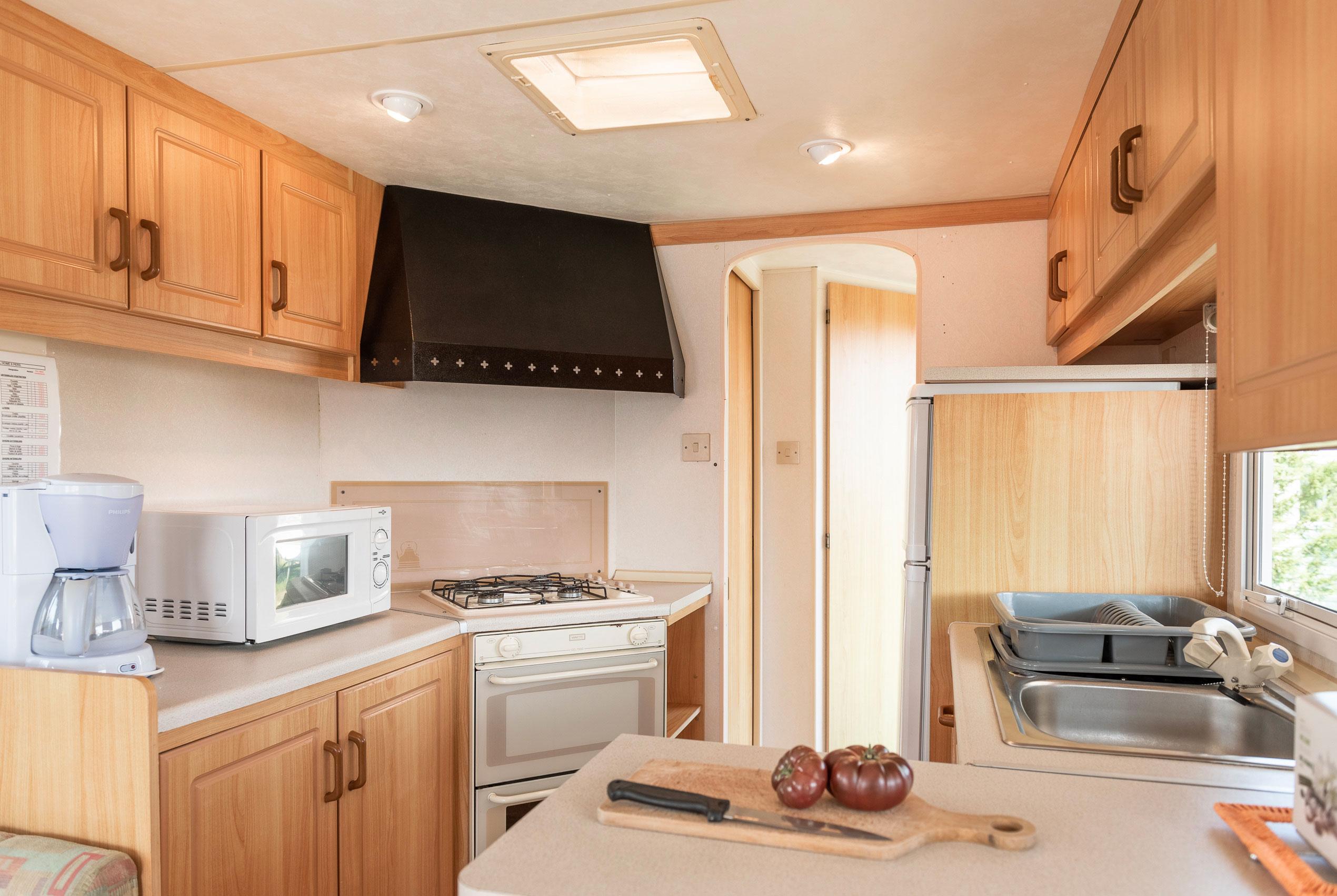 location-mobil-home-6-8-personnes-eco-cuisine-equipee-camping-le-port-de-moricq